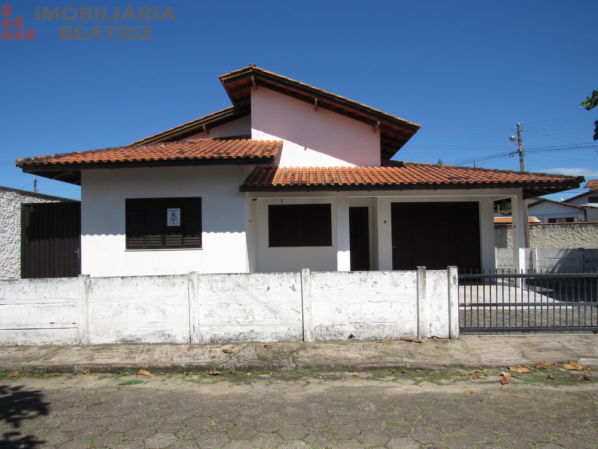 Casa com 01 suíte e 02 quartos e sala comercial para locação, CENTRO, PENHA - SC