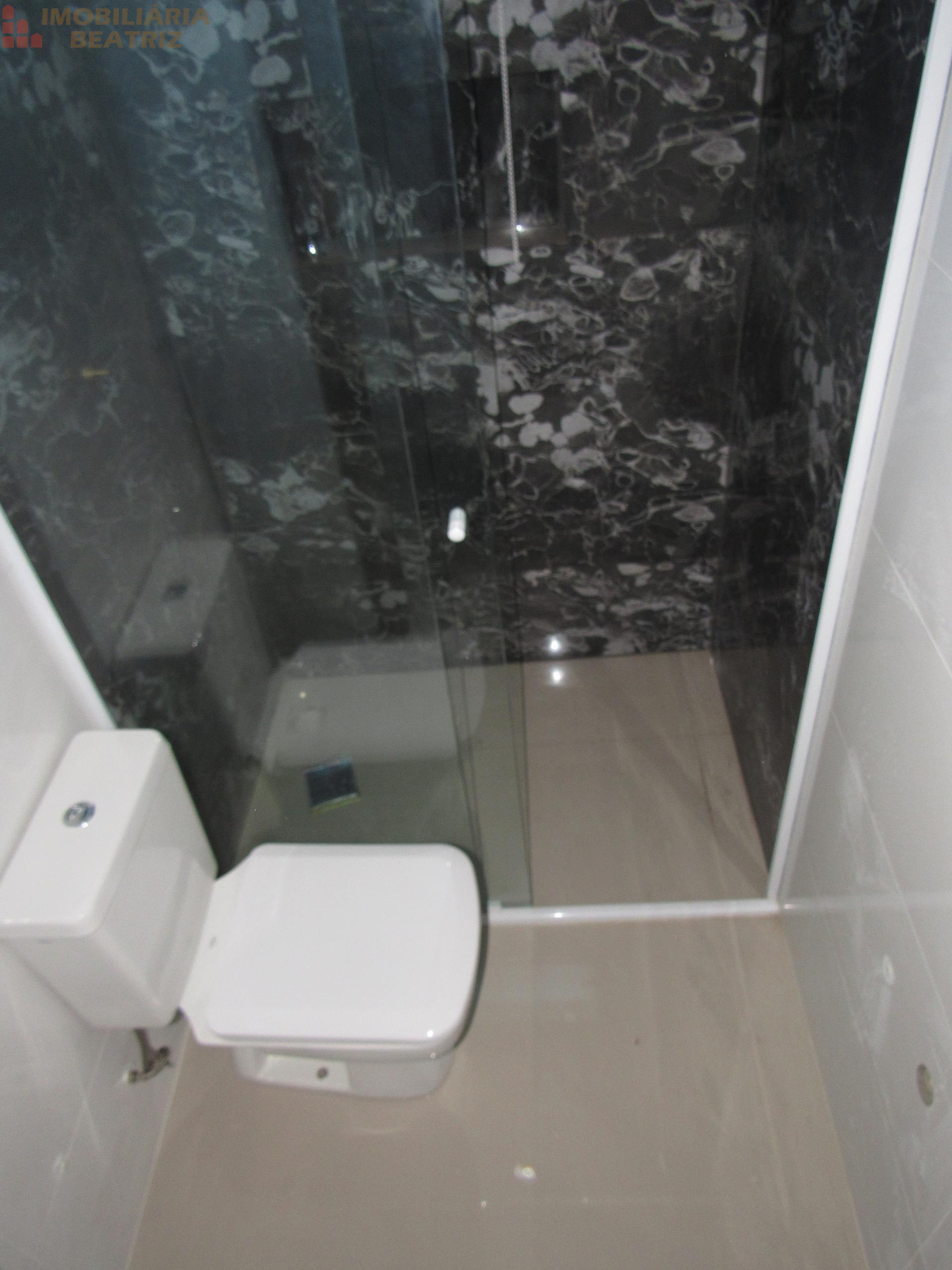 Banheiro/Suíte 02
