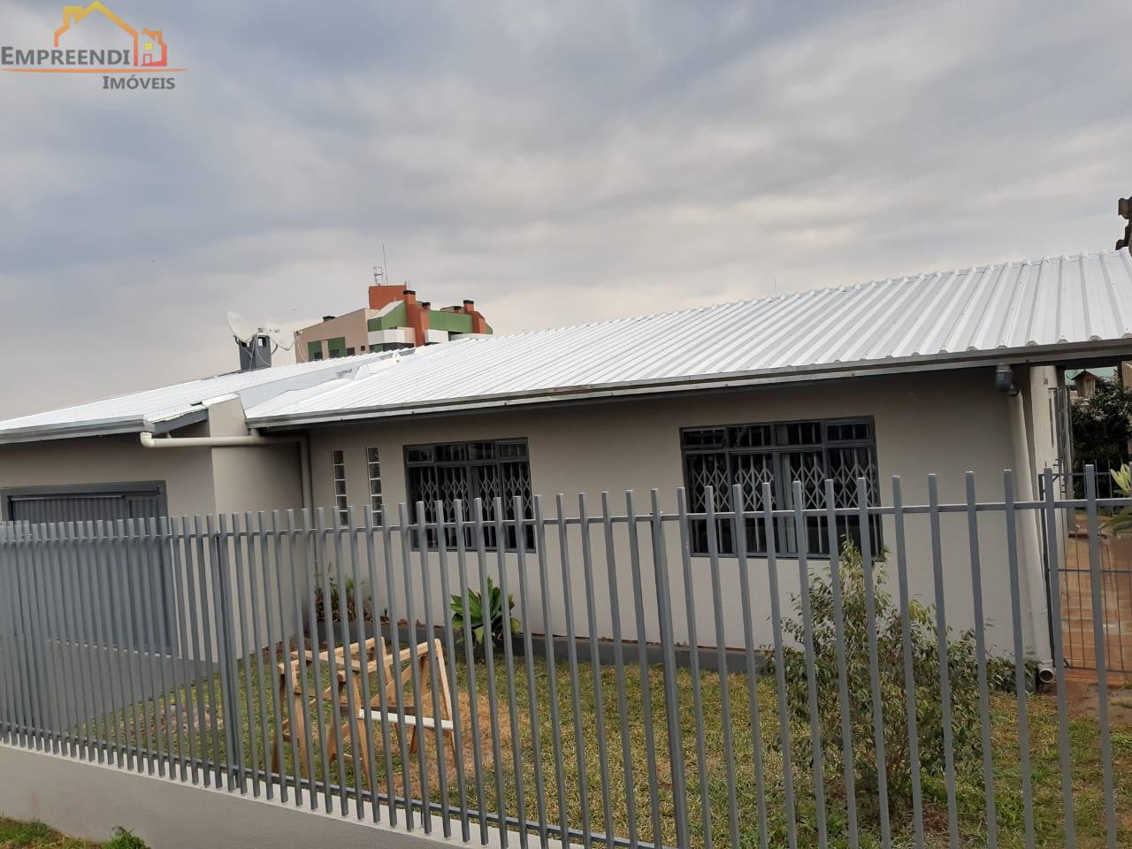 Ótima Casa com 3 dormitórios à venda, MENINO DEUS, PATO BRANCO - PR