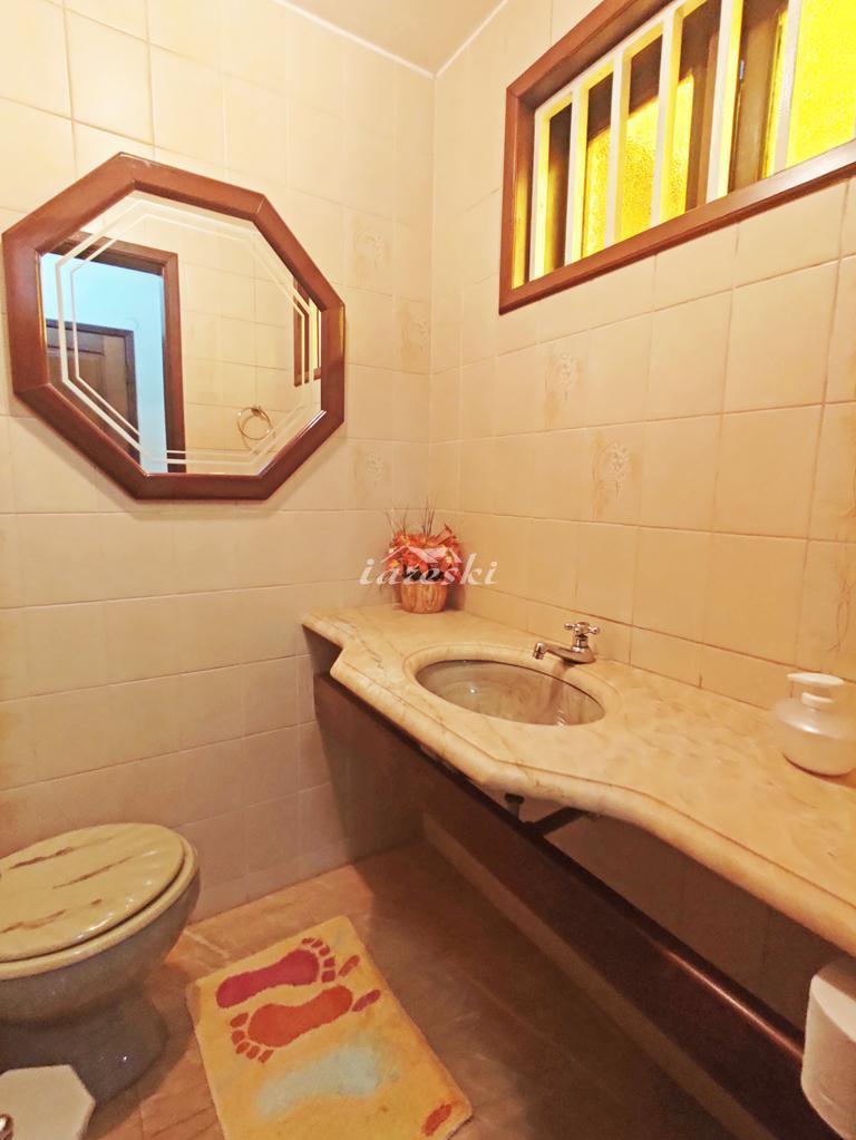 Casa com 365m² 4 dormitórios sendo 1 suíte no Jardim Eliza I, ...