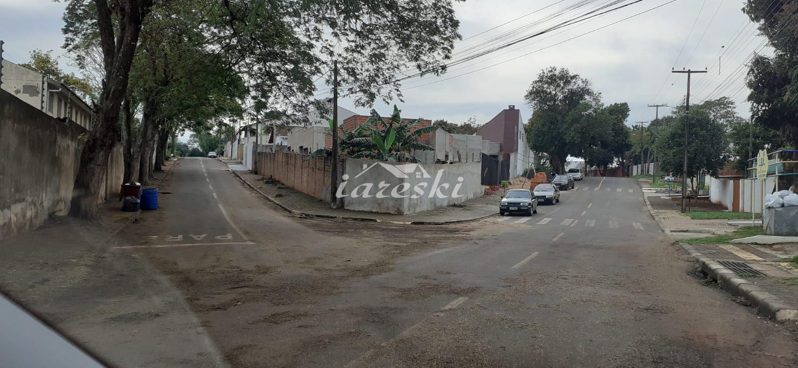 Casa com 2 dormitórios à venda no Jardim Alice em Foz do Iguaç...