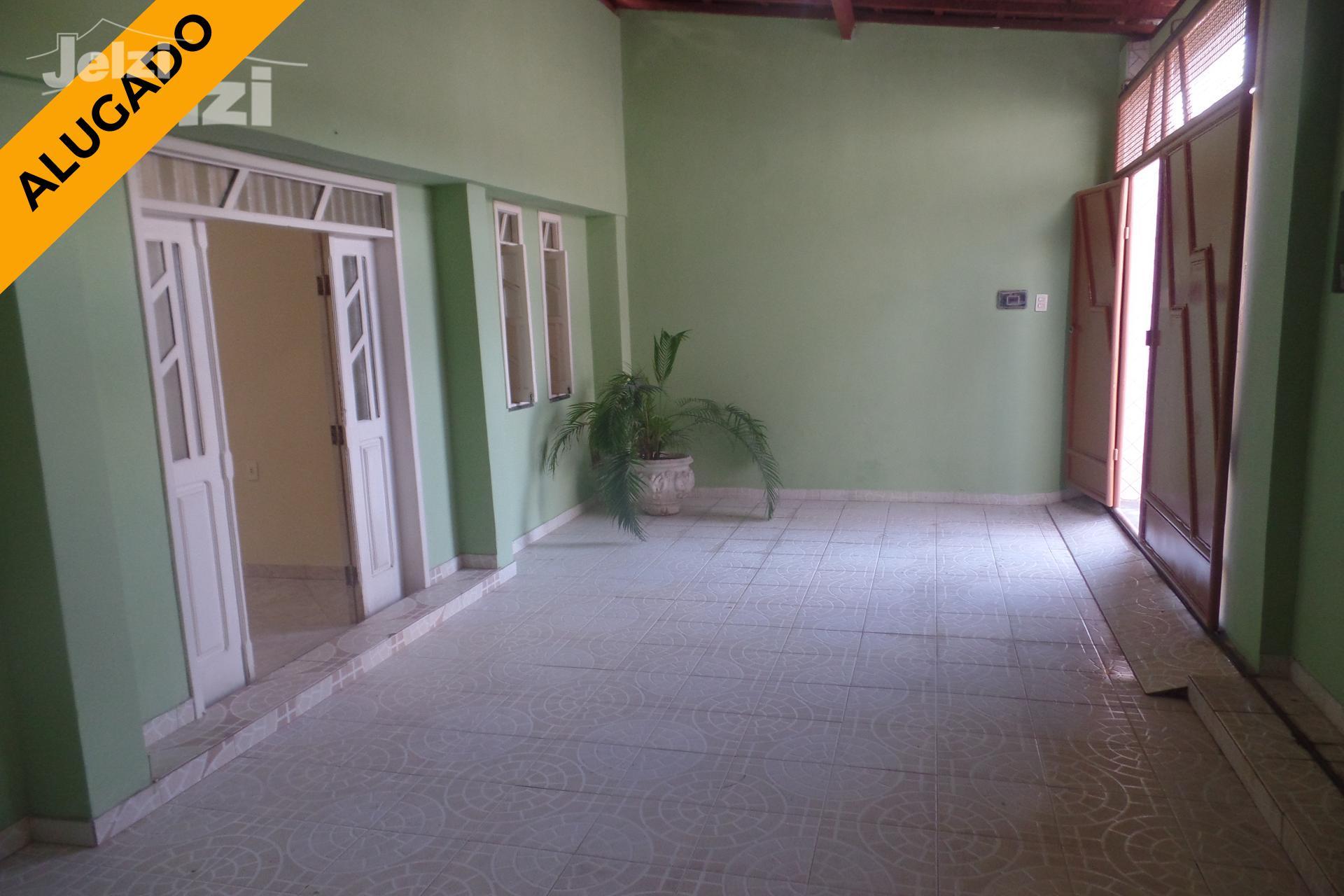 Casa com 2 dormitórios reversível para 3