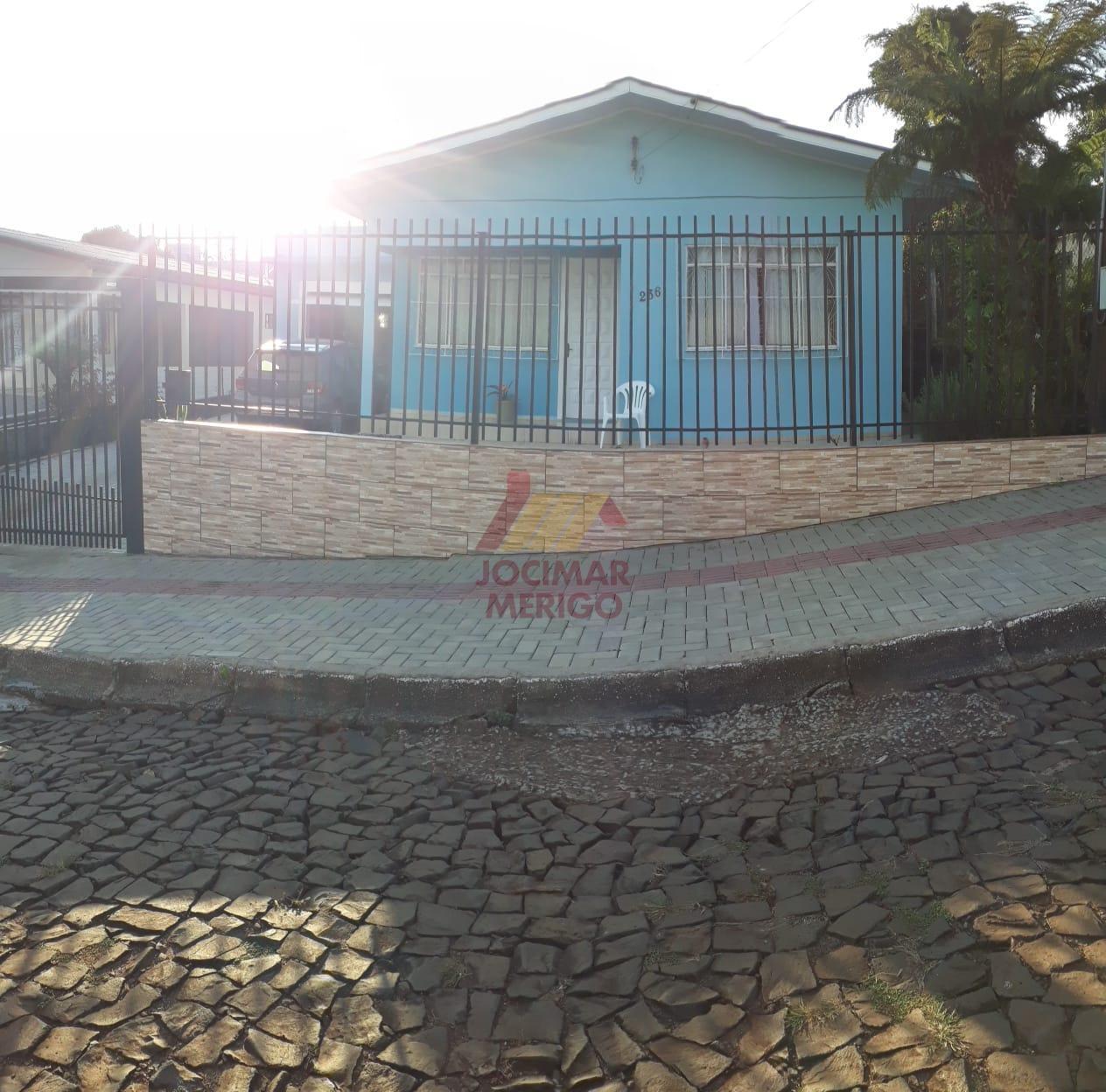 CASA PRA VENDA NO BAIRRO SÃO FRANCISCO.