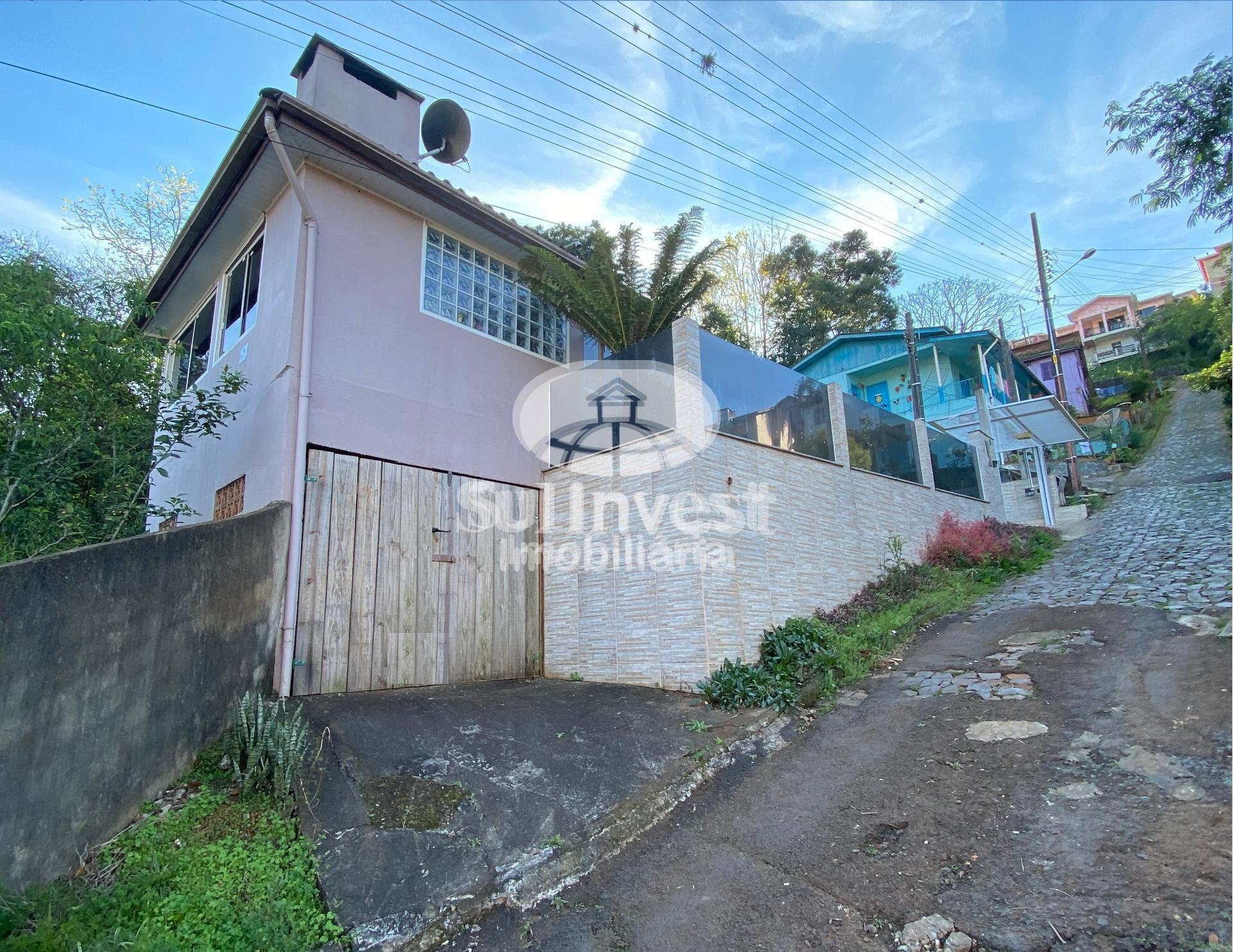 Casa mista localizada na Rua Levino S. Abreu, Bairro Industrial, Seara/SC