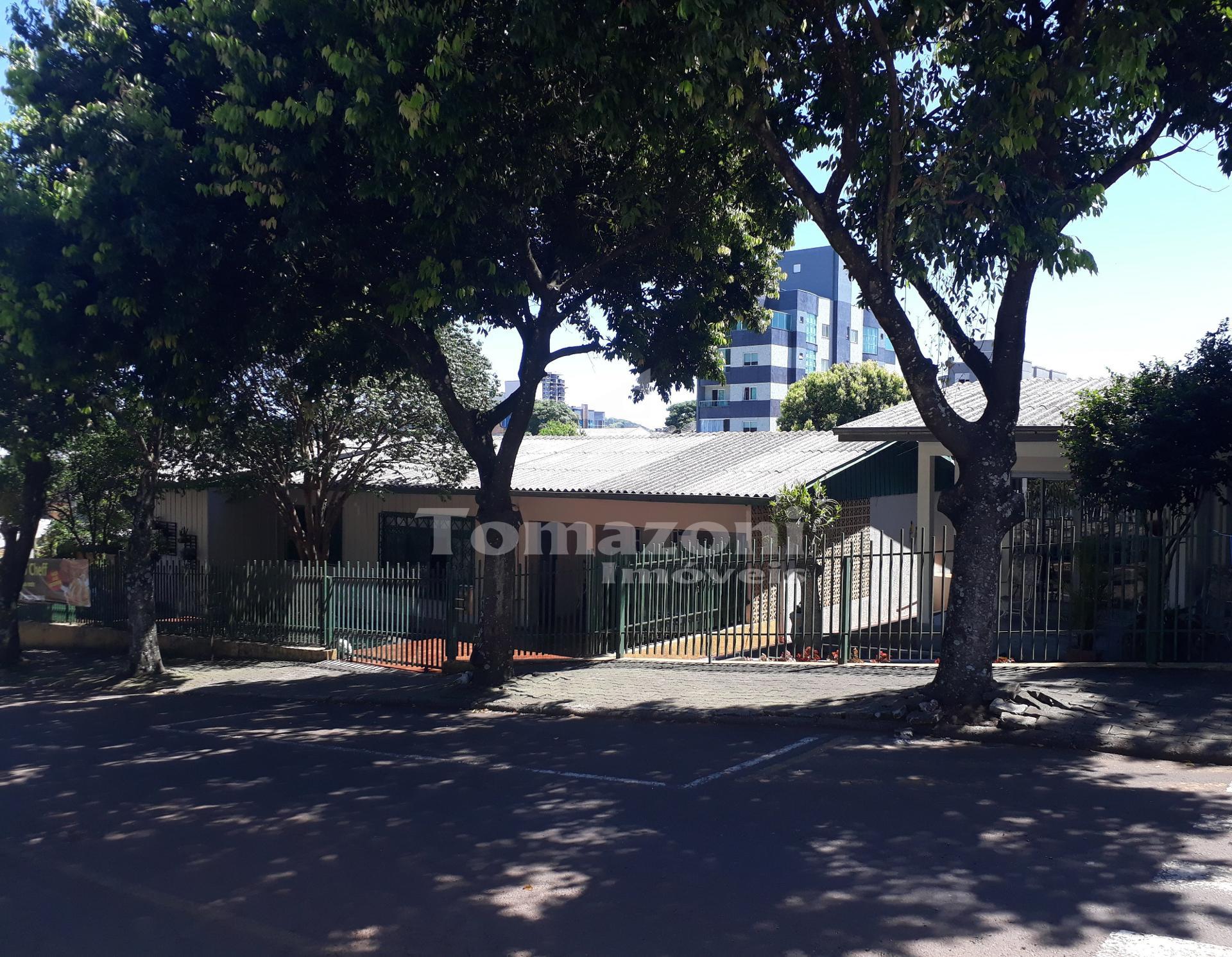 Imóvel de esquina com duas residências Bairro Nossa Senhora Ap...
